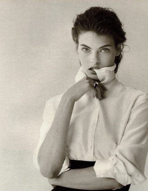 Linda Evangelista in Vogue Italia September 1988 by Peter Lindbergh