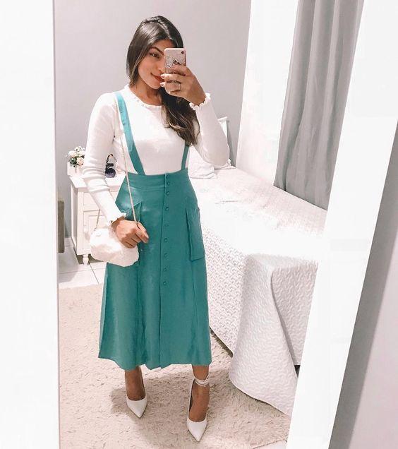 Boa noite amores! Só quem ama J a r d i n e i r a 🍃 Essa é super romântica 👏🏼😊 • - • Ela está disponível na loja @atenamodas 📍 Blusa linda…