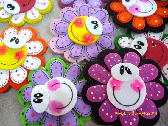 Flor and diy y manualidades on pinterest for Caja de colores jardin infantil