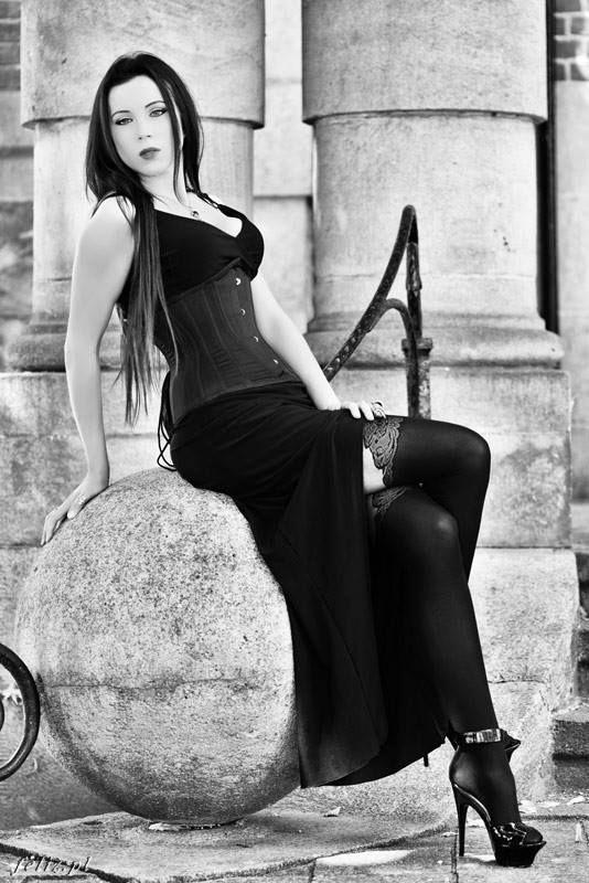 Model / MUA: Elizabeth Corset : PaperCats Photographer:Bartosz Klimasiński/ Volrath's Art Welcome to Gothic and Amazing |www.gothicandamazing.com