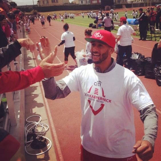 S/O @jenniferlchan for the great article (link in my bio) recapping @kaepernick7's @Procamps event this past weekend! It was really good to read and see how much Kap and the kids smiled and had a great time! Adorable! I know the experience was unforgettable! Thanks again for the pics and the article Jennifer! Job well done! #colinkaepernick #7tormscoming #kap #kaepernick7 #49ers #procamps #tbt #closertopro