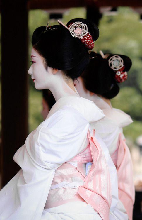 お姫様のような舞妓