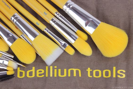 BDELLIUM TOOLS 15 PIECE BRUSH SET REVIEW, Yellow bambu