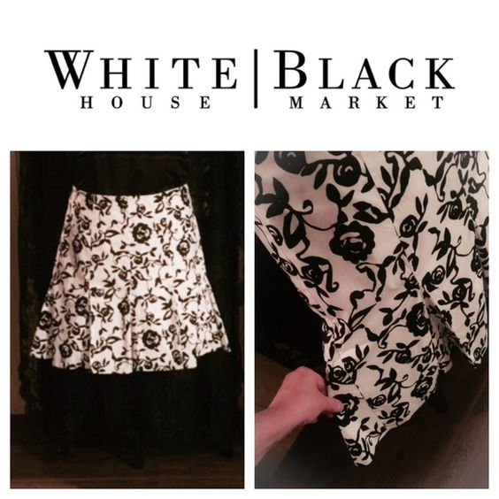 "WHBM pleated ruffle skirt 20"" length WHBM pleated ruffle skirt Side zip, lined, 20"" length White House Black Market Skirts"