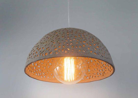 Keramische lamp schaduw. De tegenhanger van de koepel licht ...