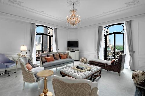Luxury hotel looks