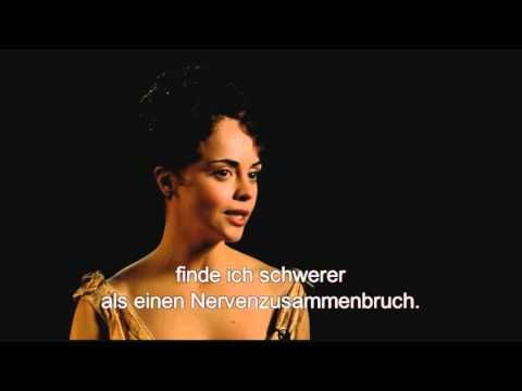Exklusiv: Christina Ricci mag's verrückt (Interview) - YouTube