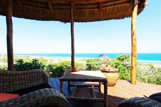 Dunes de Dovela eco-lodge new rates in the luxurious bungalows for the Mozambique residents and SADC residents are:    - Mozambique residents : - 25 % discount, which means 5625 mets instead of  7500 mets per person per night.  -- SADC residents : - 15 % discount, which means 6375 mets instead of  7500 mets per person per night.      More info at www.dunesdedovela.com