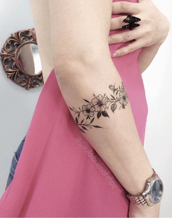 Tatuagens Pequenas E Delicadas Mais De 100 Modelos Tatuagens Ideias Cuff Tattoo Tattoos Tattoos For Women