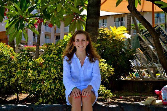 #JulesFashionWeek in Bon Bini Aruba wearing #FrankandEileen