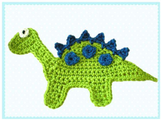 Eine gehäkelte Applikation in Form eines Dinosauriers.    Ideal zum applizieren auf T-Shirts, Kissen, Taschen usw.    Der Preis bezieht sich nur auf d