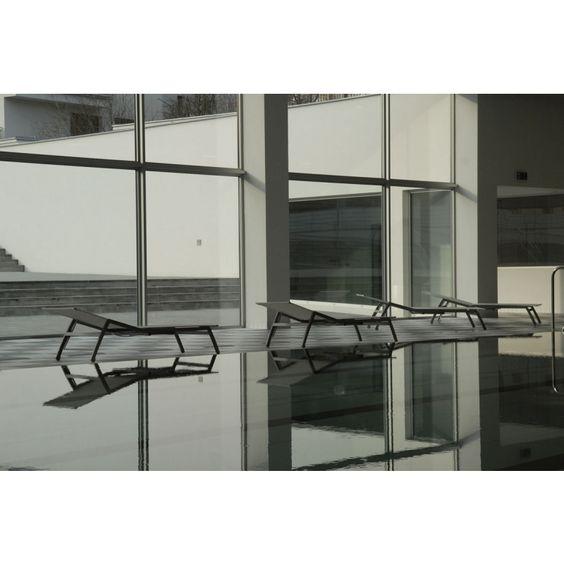Todus Alcedo Sonnenliege mit ausziehbarem Tisch, verstellbar, Batylene®