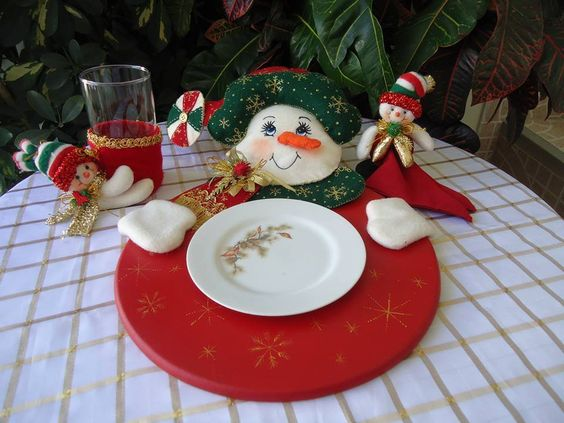 Posa platos navide os feliz navidad pinterest plato - Manualidades con fieltro para navidad ...