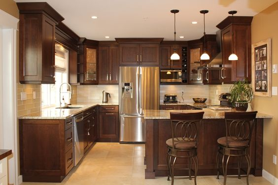Light ceramic floor darker cabinets light counter tops for Kitchen design 43055
