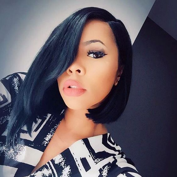 HAIRSPIRATION| This bob is just so fierce @iamsodeelishis ✂️❤️ #voiceofhair ========================== Go to VoiceOfHair.com ========================= Find hairstyles and hair tips! =========================