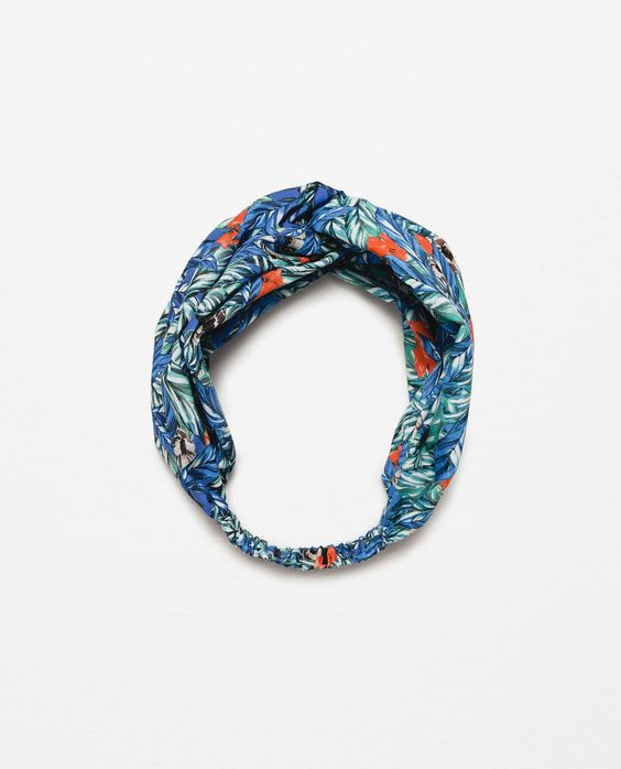 Image 1 de SERRE-TÊTE TYPE TURBAN IMPRIME FEUILLES de Zara: