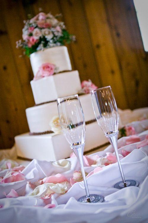 Ranch wedding cake table!
