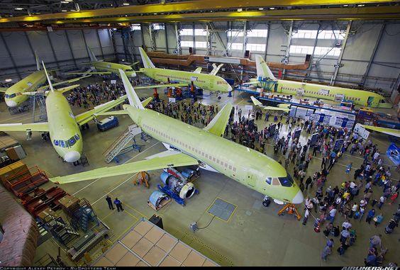 Sukhoi Superjet 100-95 aircraft picture