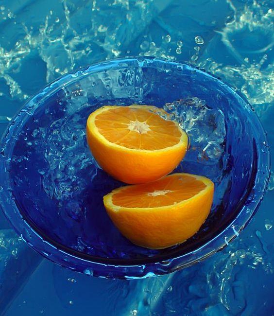 水の中の蜜柑