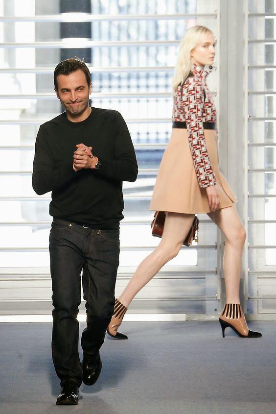 Más vestidos para ti: Louis Vuitton Paris Fashion Week Otoño Invierno 20...