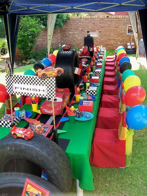Como organizar una fiesta de cars rayo mcqueen coches for Como organizar una fiesta de 15