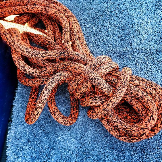 """«[#Picoftheday - #Photooftheday]  Cordage """"Tout un art"""" #Like #Nice #InstaVoile #InstaSail #InstaBoat #SailingDay #Sailing #Instamood #Beautiful #Color…»"""