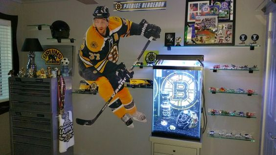 Boston bedrooms and boston bruins on pinterest for Bruins bedroom ideas