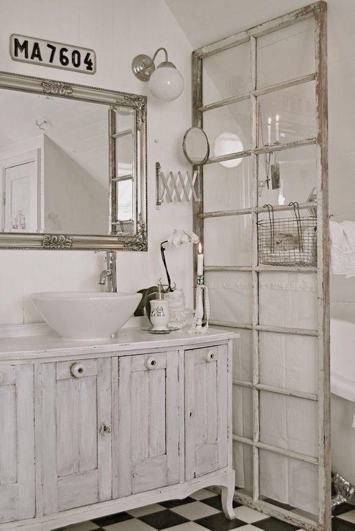 Snygg och smart idé till duschvägg