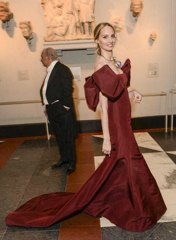 Vogue Daily — Lauren Santo Domingo in Oscar de la Renta