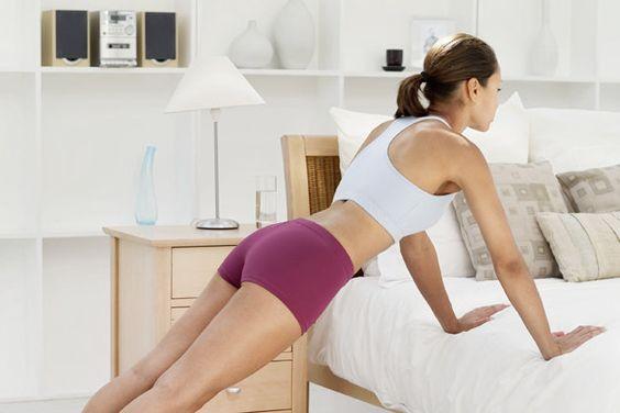 Für mehr Muskeln reichen schon regelmäßige Liegestütze zu Hause. (Bild: Thinkstock)