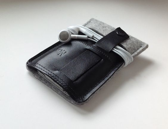 iPhone Casewool felt and leather by TheNavis