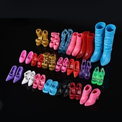C$ 0.71 Pas cher Random 24pcs/12Pairs Shoes Boots Doll Girls Play House Xmas Mix, Acheter  Accessoires pour poupées de qualité directement des fournisseurs de Chine:Descriptions:haute qualité et tout neuf chaussures et bottes pour votre belle poupées.avec un mélange de style différent