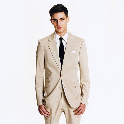 How to Wear a Khaki Suit: Perfect Wardrobe : Details