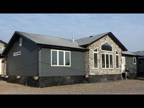 Mt Brett 1632 Ready To Move Home Youtube Mobile Home Exteriors Modular Homes New Manufactured Homes