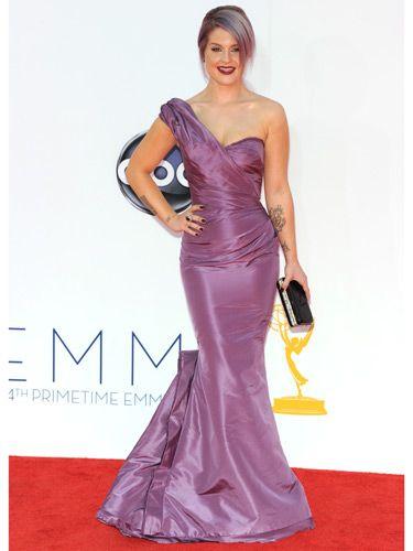 #KellyOsbourne keeps her sartorial rep in tact in this lilar #ZacPosen number. Best part? Her mane matches her dress! #Emmys2012 #BestDressed2012