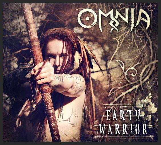 Earth Warrior - Omnia: Amazon.de: Musik