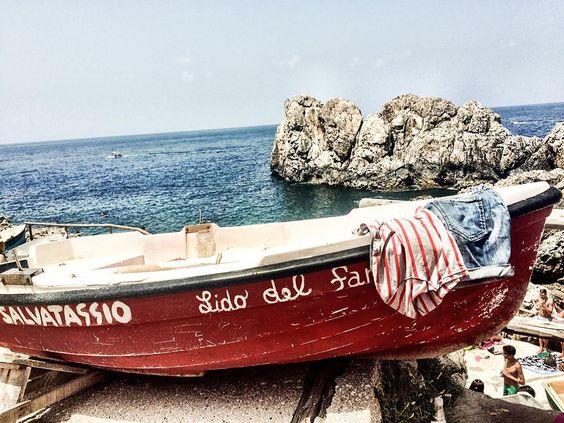 #latergram #memories #anacapriwhynot #tbnet #redboat #summerdays #capri #italianeography #sea #travelblog #travel