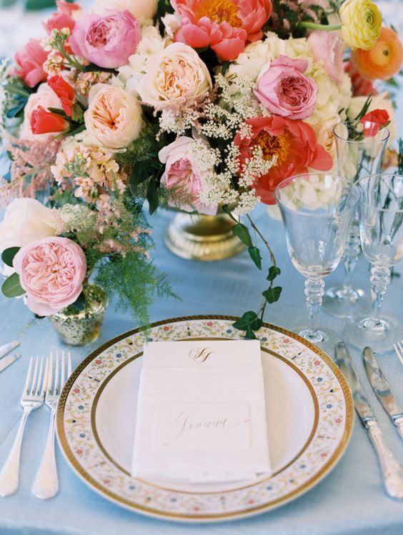 Gorgeous spring garden table decor: http://www.stylemepretty.com/2016/04/22/now-this-is-how-you-get-married-at-home/ | Photography: Abby Jiu - http://www.abbyjiu.com/