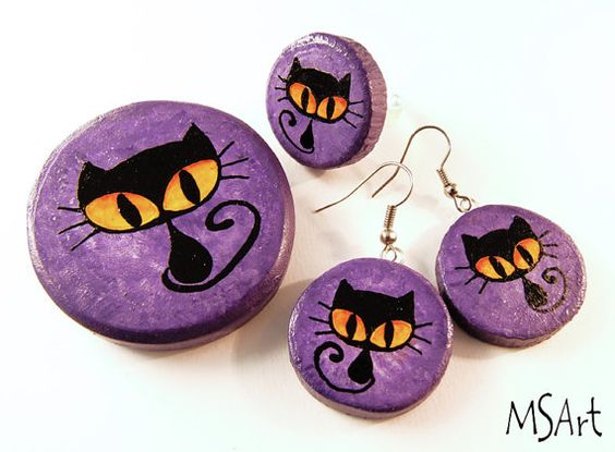 Handcrafted  purple wooden jewelry set with black by MaijaMSArt