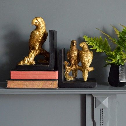 Stunning gold parrot bookends to give your home décor that touch of the oriental.