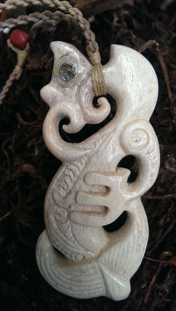 Bone carving manaia pendant whale tuli pasifiks