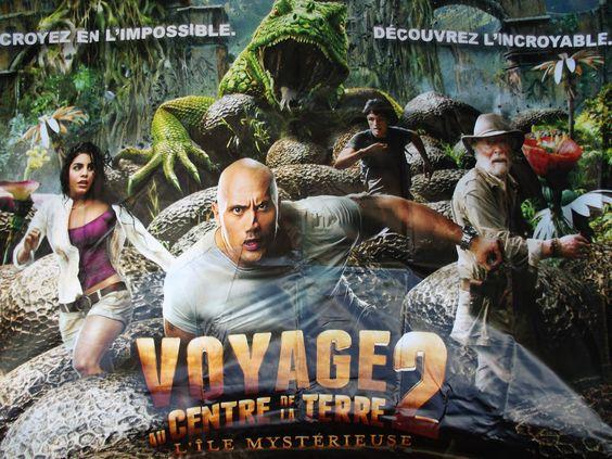 affiche cinéma voyage au centre de la terre 2 l ile mysterieuse bache 320X200CM