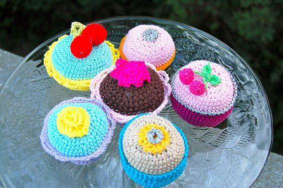 Cake - crochet