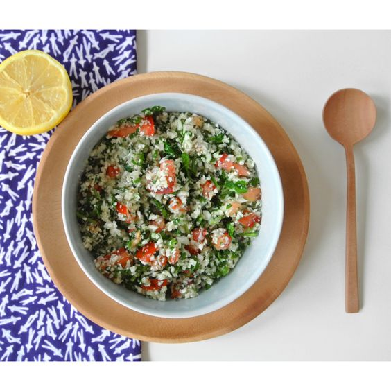 Raw cauliflower tabbouleh. Made one of my favourite salads for today  For all the Dutch people, you can Find the recipe at http://uitpaulineskeuken.nl/2014/06/tabouleh-van-bloemkool.html   #cauliflower #tabbouleh #ActiveAugust #food #salad #healthy #instafood #yummy