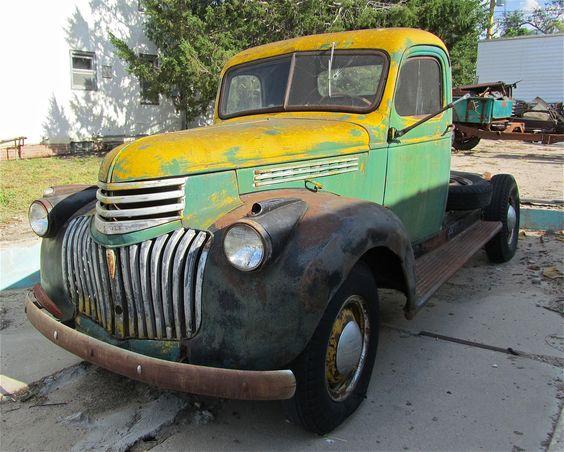 Stuff wednesday two engines mlb truck flatbed classic - Vintage Chevrolet Trucks Trucks Pinterest Chevy