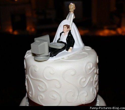 Funny Geek Wedding Cake  Pictures MEME LOL
