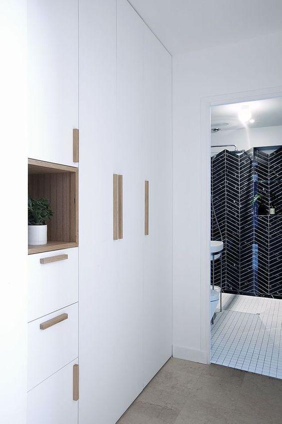 Une Maison Des Annees 70 Metamorphosee Meuble Vasque Decoration Maison Et Maison