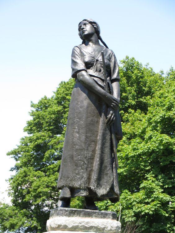 Grand Pré, lieu historique Acadien, ou Evangéline, l'héroïne d'un poème, reste l'exemple acadien.