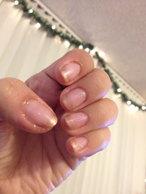 How to Make Gold Ombrè  Shellac Nails