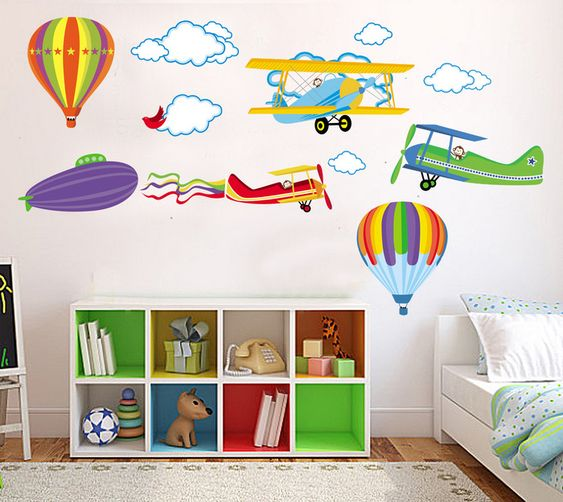 Colorida y divertida pegatina infantil de aviones ideal for Pegatinas para habitacion bebe